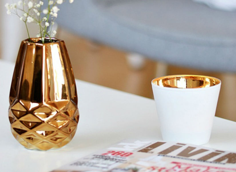 golden vases living rooms Living rooms with golden details golden vases