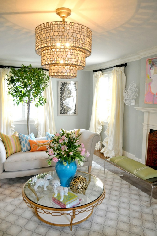 Summer Trends and Ideas for Living Rooms Brass, colorful accents summer trends Summer Trends and Ideas for Living Rooms Summer Trends and Ideas for Living Rooms Brass colorful accents
