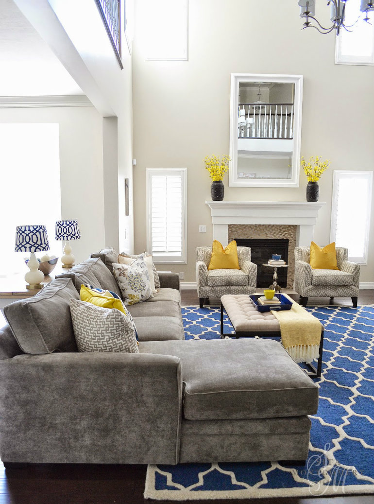 living rooms mix blue and yellow