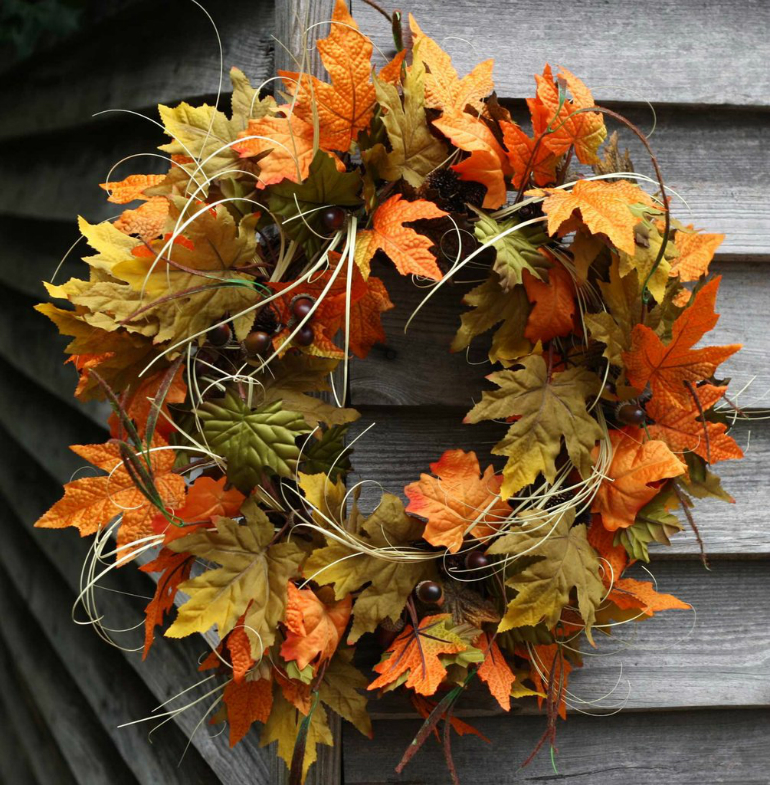 Welcome Fall into YourLiving Room by Bringing the Outdoor In living room Welcome Fall into Your Living Room by Bringing the Outdoor In FallAcornWreath3
