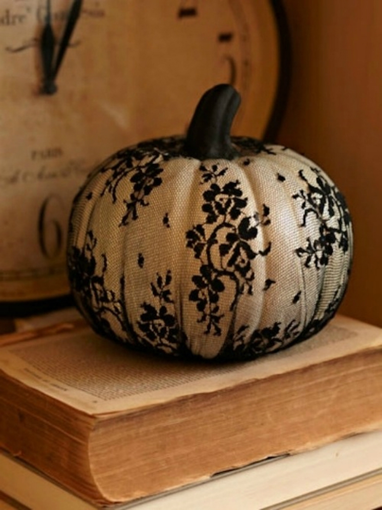 How to Transform Your Living Room for Halloween living room How to Transform Your Living Room for Halloween pumpkin lace