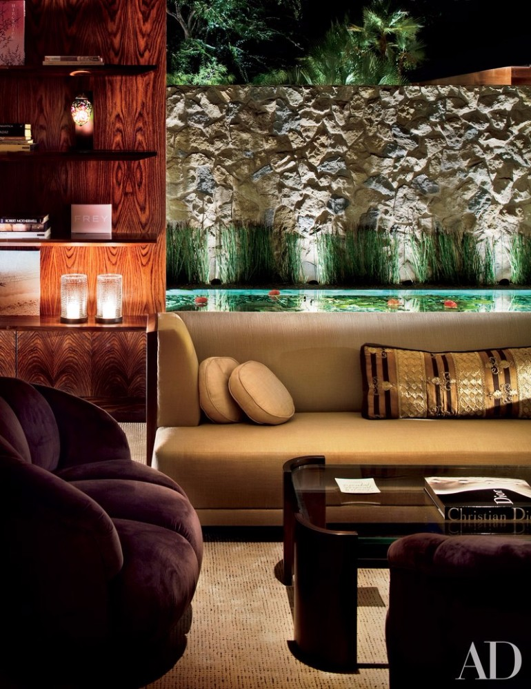 Jennifer Aniston's Mid-Century Modern Living Room in Beverly Hills mid-century modern living room Meet Jennifer Aniston Mid-Century Modern Living Room in Beverly Hills Jennifer Aniston   s Mid Century Modern Living Room in Beverly Hills 1