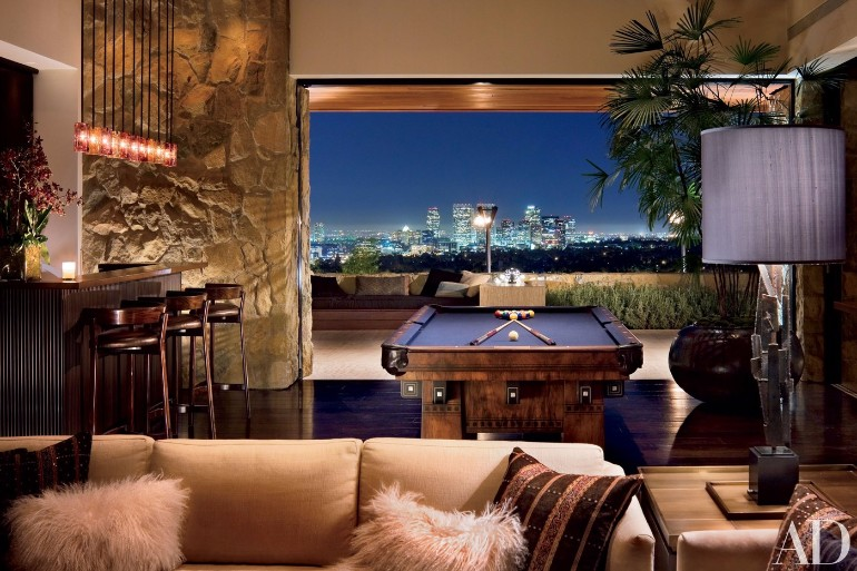 Jennifer Aniston's Mid-Century Modern Living Room in Beverly Hills mid-century modern living room Meet Jennifer Aniston Mid-Century Modern Living Room in Beverly Hills Jennifer Aniston   s Mid Century Modern Living Room in Beverly Hills 3