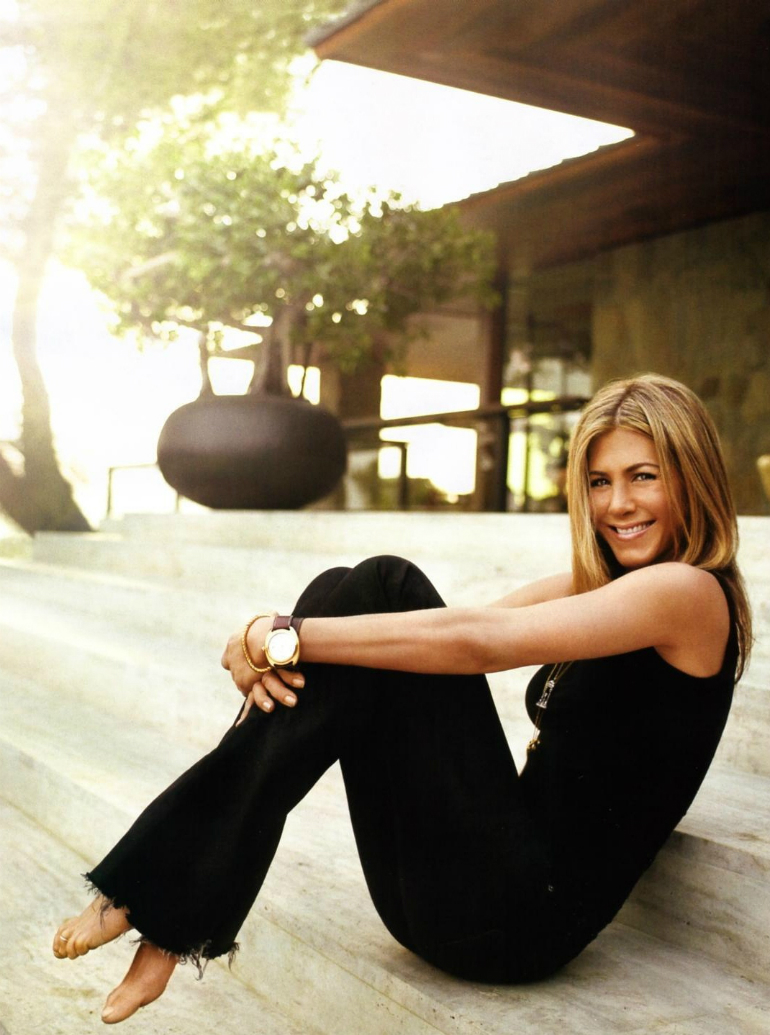 Jennifer Aniston's Mid-Century Modern Living Room in Beverly Hills mid-century modern living room Meet Jennifer Aniston Mid-Century Modern Living Room in Beverly Hills Jennifer Aniston   s Mid Century Modern Living Room in Beverly Hills 6