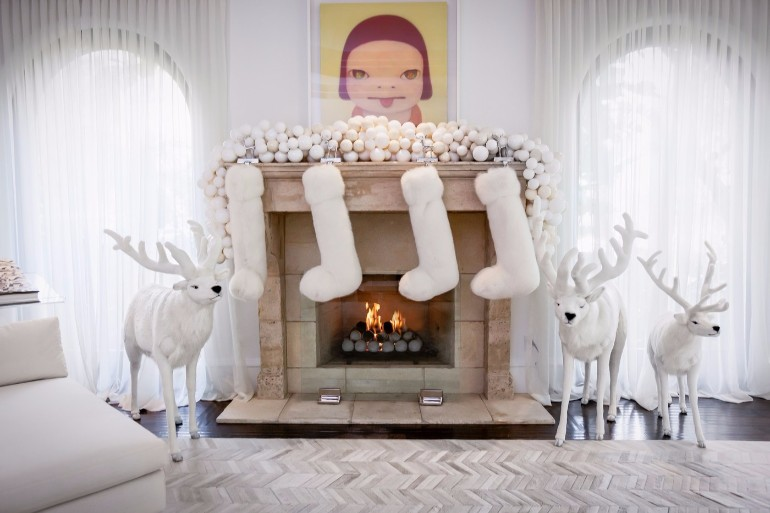 Kris Jenner's Winter Wonderland ChristmasDecor christmas decor Kris Jenner's Winter Wonderland Christmas Decor Kris Jenners Winter Wonderland Christmas Decor 10
