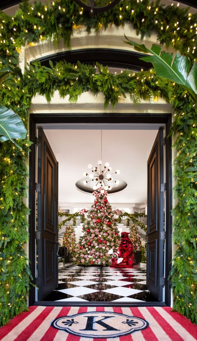 Kris Jenner's Winter Wonderland Christmas Decor christmas decor Kris Jenner's Winter Wonderland Christmas Decor Kris Jenners Winter Wonderland Christmas Decor 3