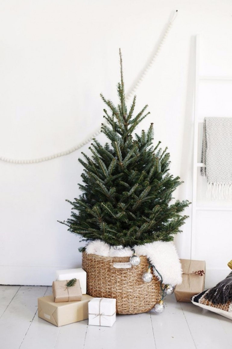 Scandinavian Christmas Trees for Your Holiday Living Room Decor scandinavian christmas Scandinavian Christmas Trees for Your Holiday Living Room Decor Scandinavian Christmas Trees for Your Holiday Living Room Decor 3