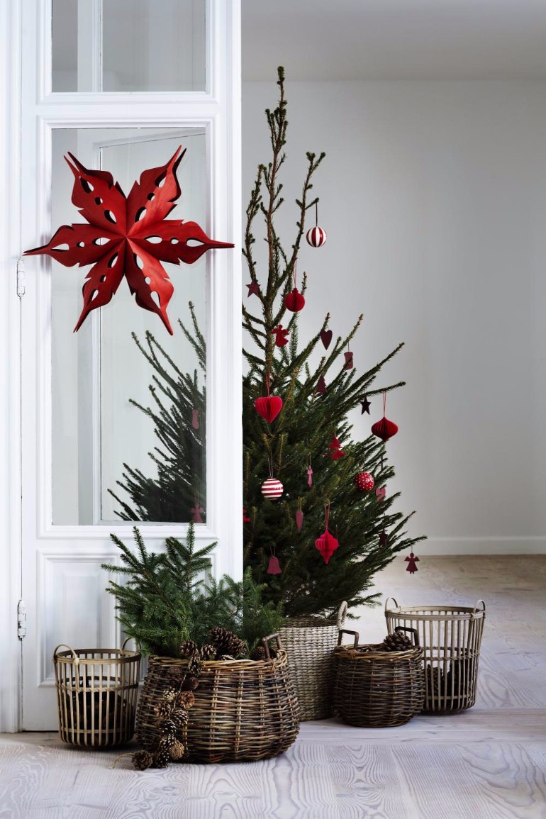 Scandinavian Christmas Trees for Your Holiday Living Room Decor scandinavian christmas Scandinavian Christmas Trees for Your Holiday Living Room Decor Scandinavian Christmas Trees for Your Holiday Living Room Decor 7