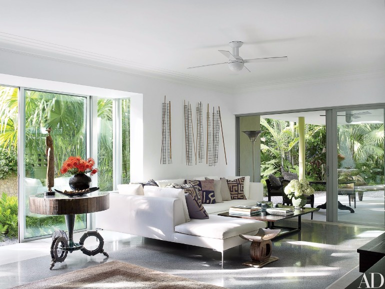 Fall in Love with These Luxury White Living Rooms luxury white living rooms Fall in Love with These Luxury White Living Rooms Fall in Love with These Luxury White Living Rooms 5