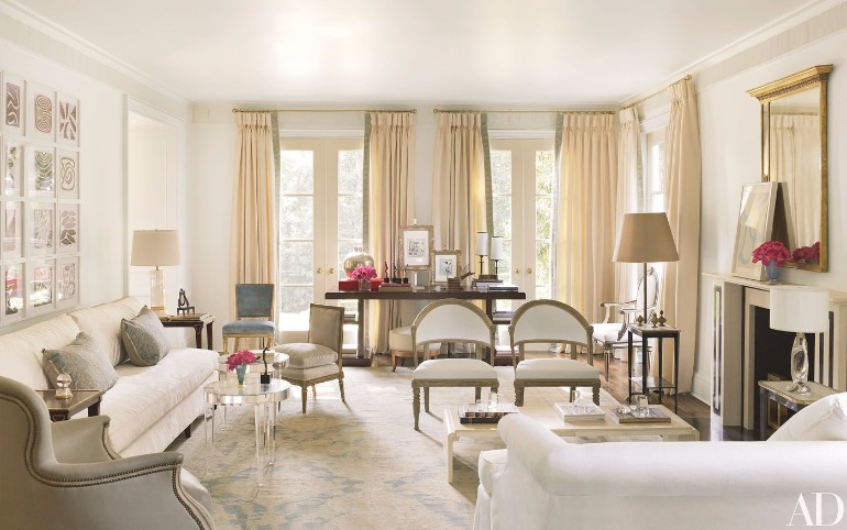 Fall in Love with These Luxury White Living Rooms luxury white living rooms Fall in Love with These Luxury White Living Rooms Fall in Love with These Luxury White Living Rooms 7