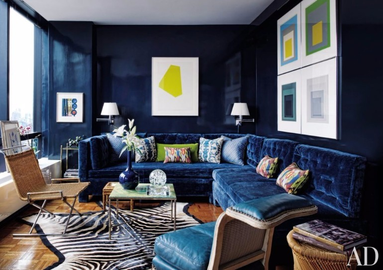 The Best Ways to Display Art in Your Living Room Decor 1 living room decor The Best Ways to Display Art in Your Living Room Decor The Best Ways to Display Art in Your Living Room Decor 7