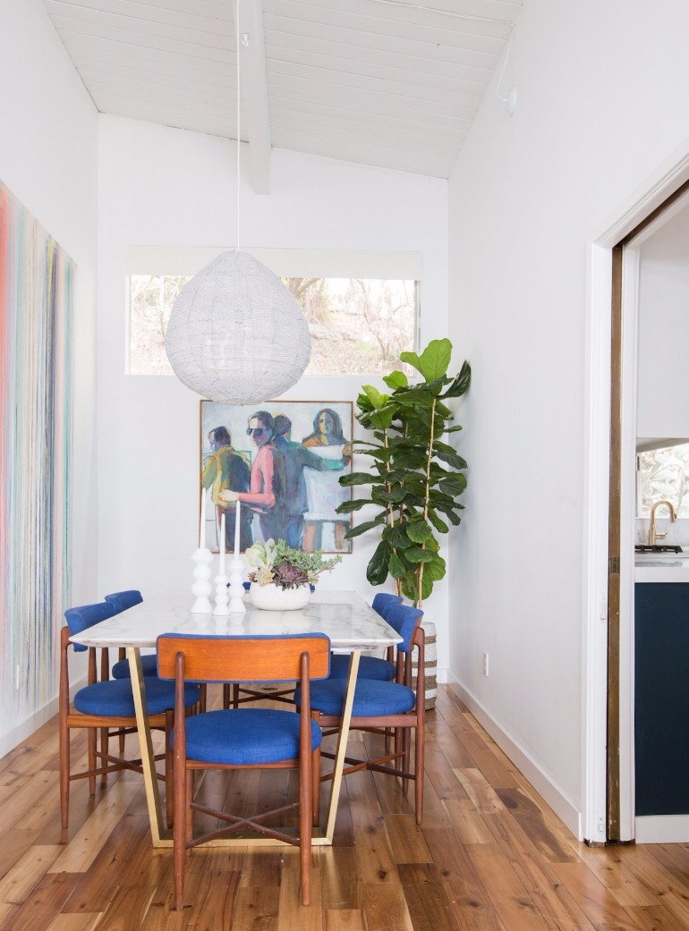 Emily Henderson is Selling Her House with A Mid-Century Living Room (1) mid-century living room Emily Henderson is Selling Her House with a Mid-Century Living Room Emily Henderson is Selling Her House with A Mid Century Living Room 6