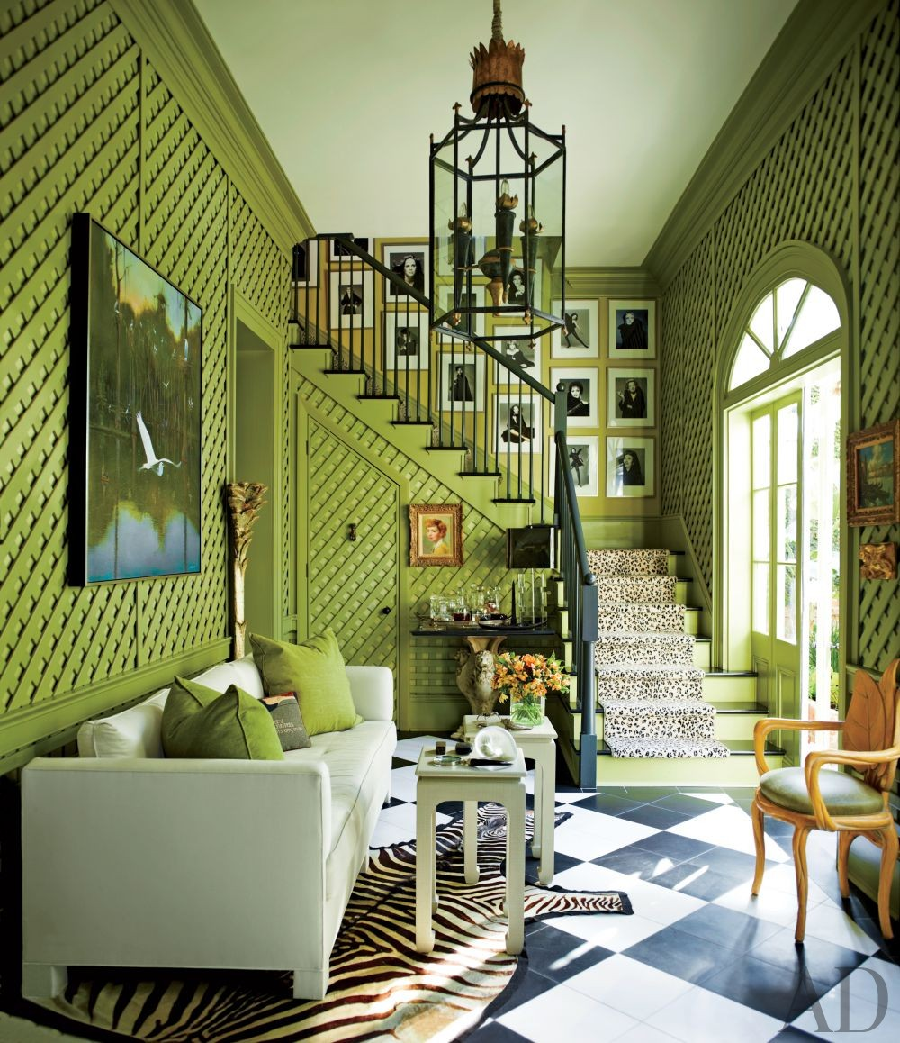 Non Traditional Wall Décor Ideas To Make A Bold Statement: How To Use Animal Prints In Your Living Room Decor