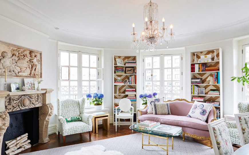 Living Room Inspiration: Pastel Home in Cosmopolitan NYC