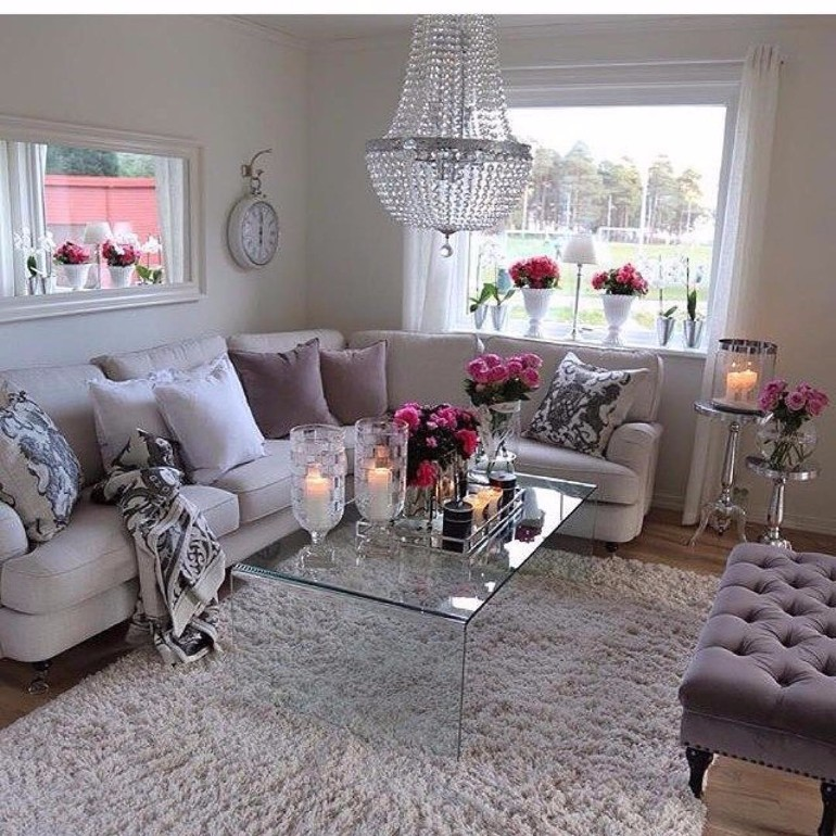 living room How To Add Feminine Touches To Your Living Room Feminine Touches To Add To Your Living Roomnova2