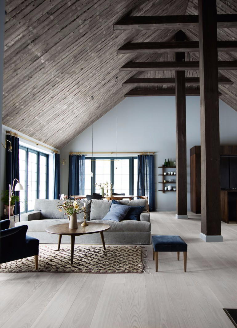 Get Inspired by These Barn House Living Room living room Get Inspired by These Barn House Living Rooms Get Inspired by These Barn House Living Room 8