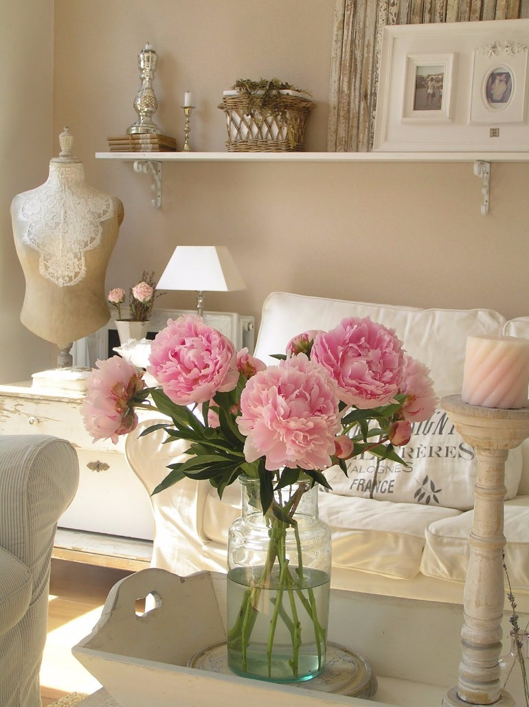 Shabby Chic Living Room Ideas With A Touch Of Romance shabby chic living room Shabby Chic Living Room Ideas With A Touch Of Romance Shabby Chic Living Room Ideas With A Touch Of Romance 6