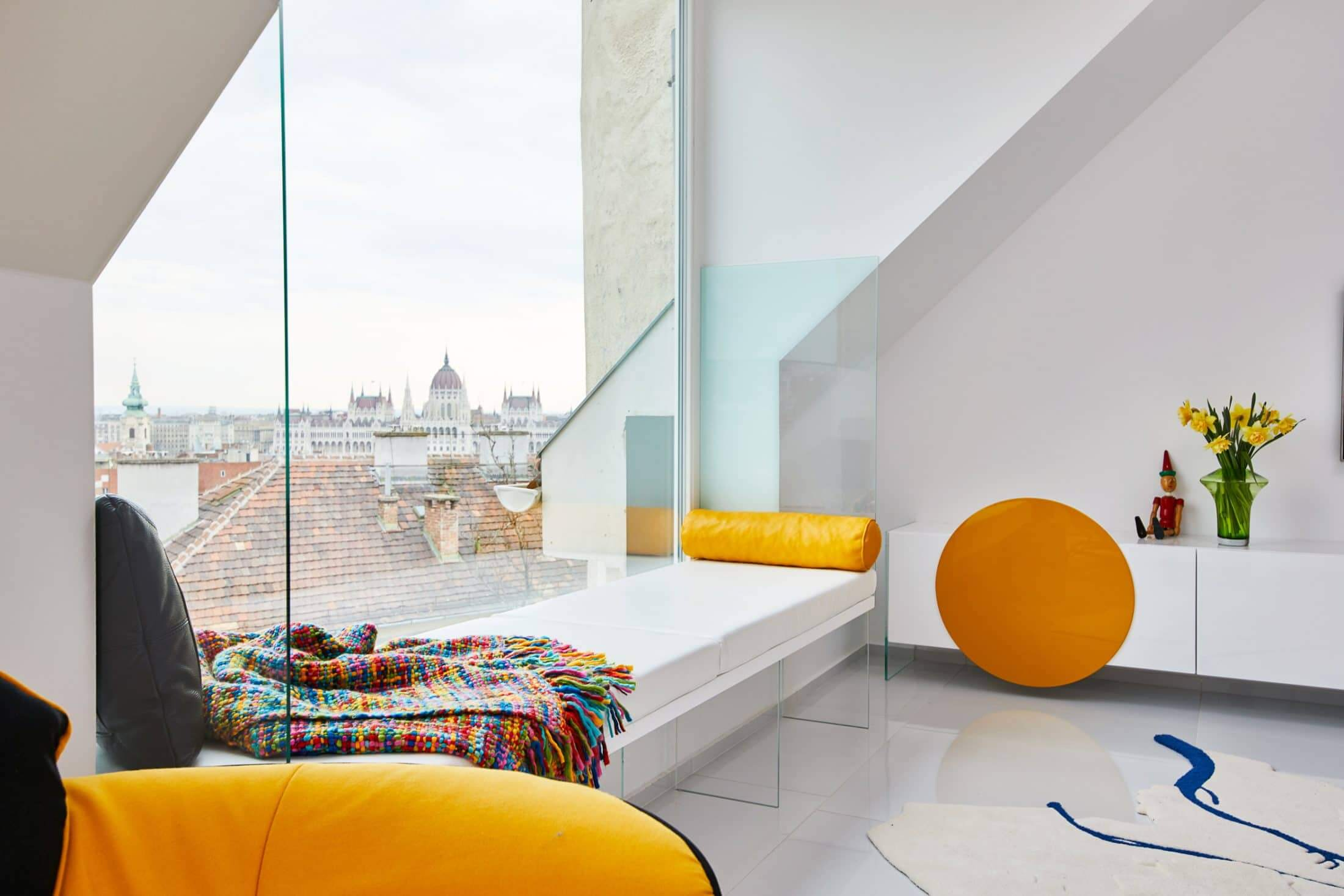Colorful Apartment in The Heart Of Budapest  living room inspiration Living Room Inspiration: Colorful Apartment in The Heart Of Budapest Colorful Apartment in The Heart Of Budapest