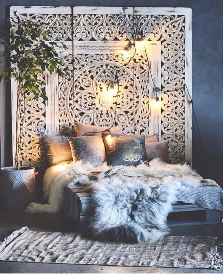 Inspiring Bohemian Living Room Designs bohemian living room design Inspiring Bohemian Living Room Designs That Are Trendy Again 372edef2f6874ddc413d724a4833bd89