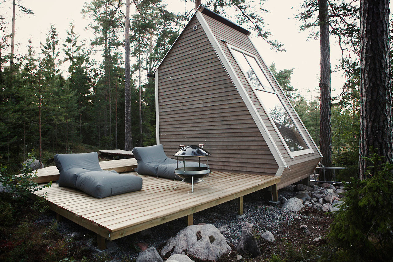 A Tiny House with a Minimalist Living Room in the Heart of Finland minimalist living room A Tiny House with a Minimalist Living Room in the Heart of Finland Nido A Tiny House that Makes the Best of Eco Design 6