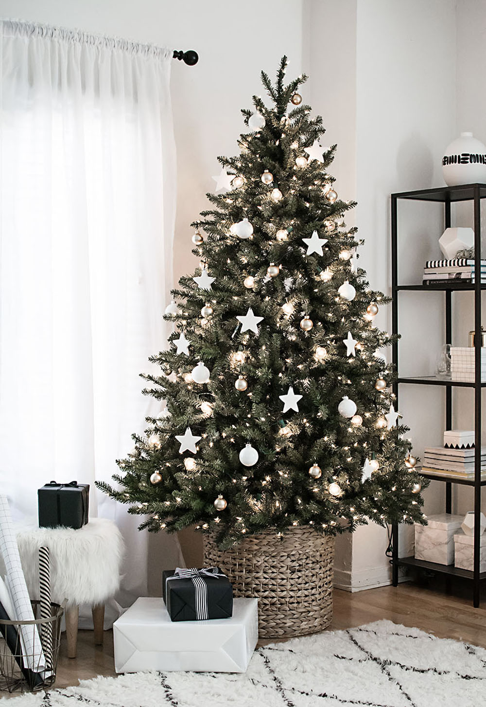 How To Make Your Christmas Living Room Decor Look Like A Million Bucks_1 christmas living room decor How To Make Your Christmas Living Room Decor Look Like A Million Bucks How To Make Your Christmas Living Room Decor Look Like A Million Bucks 2