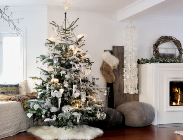 How To Make Your Christmas Living Room Decor Look Like A Million Bucks_8