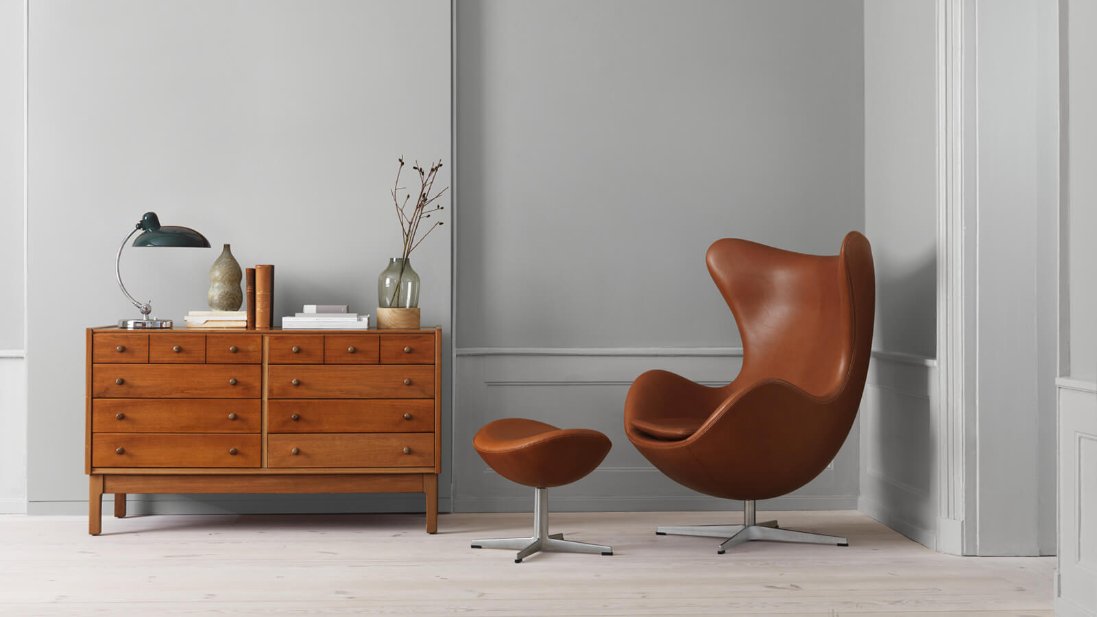 Mid-Century Modern Chairs That'll Change How You See Interior Design mid-century modern chairs Mid-Century Modern Chairs That'll Change How You See Interior Design These Mid Century Modern Chairs Make a Case for Great Home Decor 2