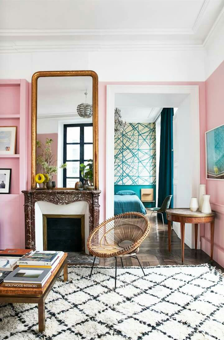 How to Use Living Room Wall Mirrors the Right Way_2 living room wall mirrors How to Use Living Room Wall Mirrors the Right Way How to Use Living Room Wall Mirrors the Right Way 6