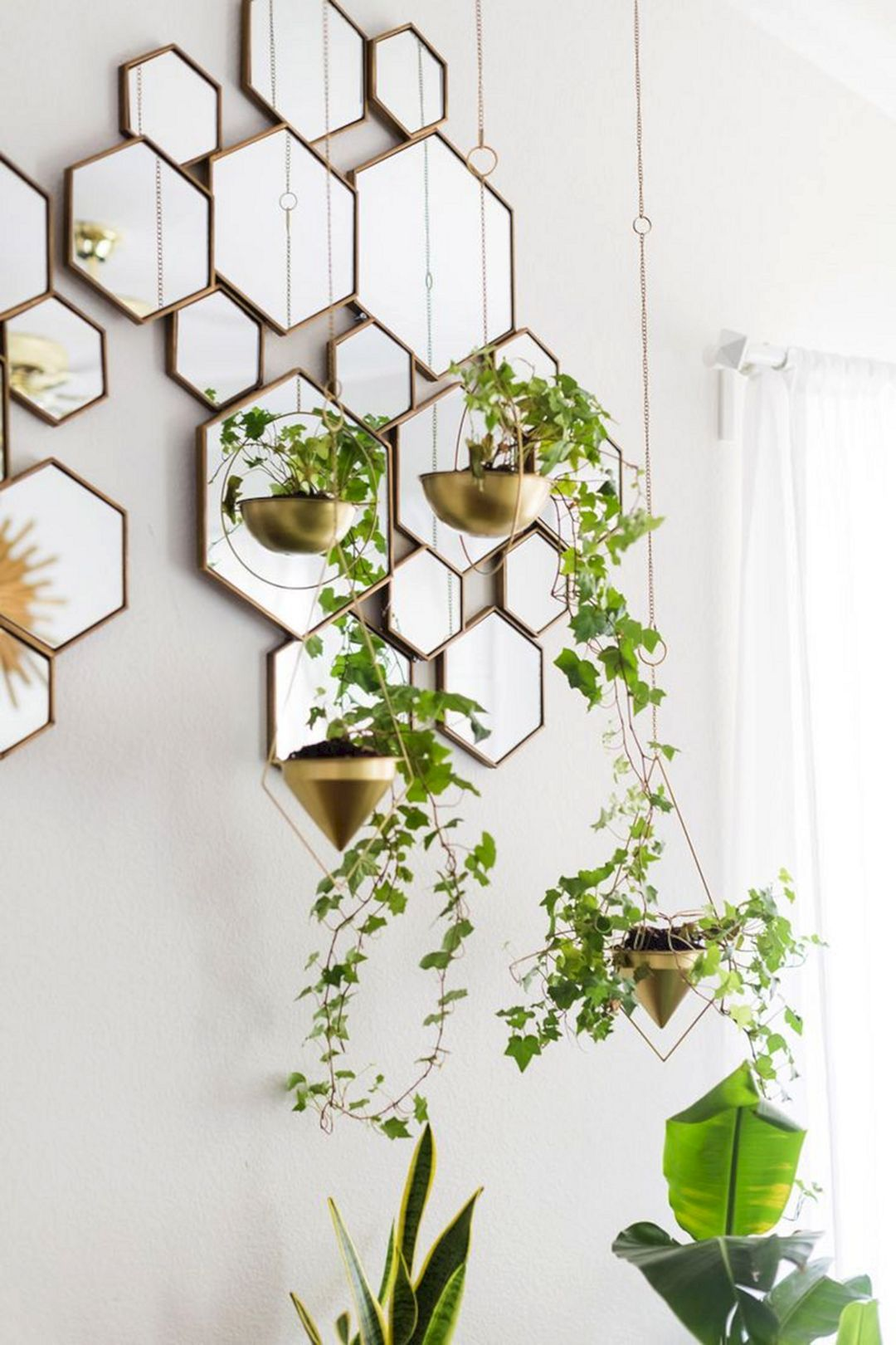 How to Use Living Room Wall Mirrors the Right Way_2 living room wall mirrors How to Use Living Room Wall Mirrors the Right Way How to Use Living Room Wall Mirrors the Right Way 8