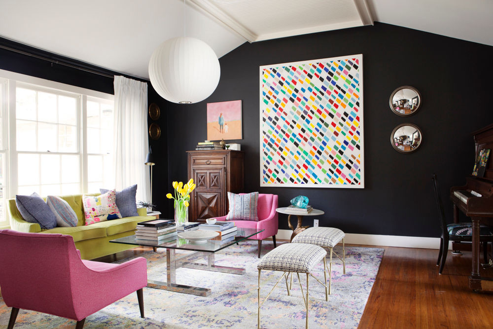 8 Black Living Rooms Where We Wouldn't Mind Taking a Nap_1 black living rooms 8 Black Living Rooms Where We Wouldn't Mind Taking a Nap 8 Black Living Rooms Where We Wouldnt Mind Taking a Nap 6