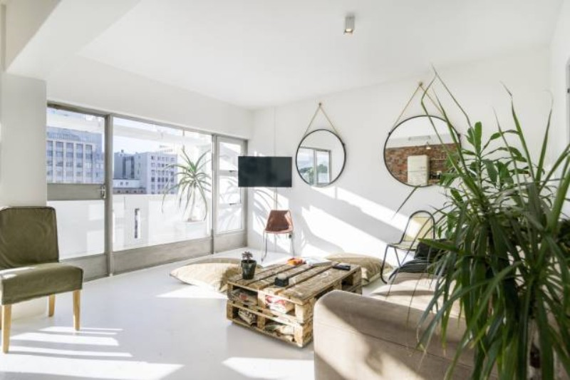 Across The Globe A Sunny Apartment In Cape Town That Completely Stole Our Hearts across the globe Across The Globe: A Sunny Apartment In Cape Town That We Adore Across The Globe A Sunny Apartment In Cape Town That Completely Stole Our Hearts 2