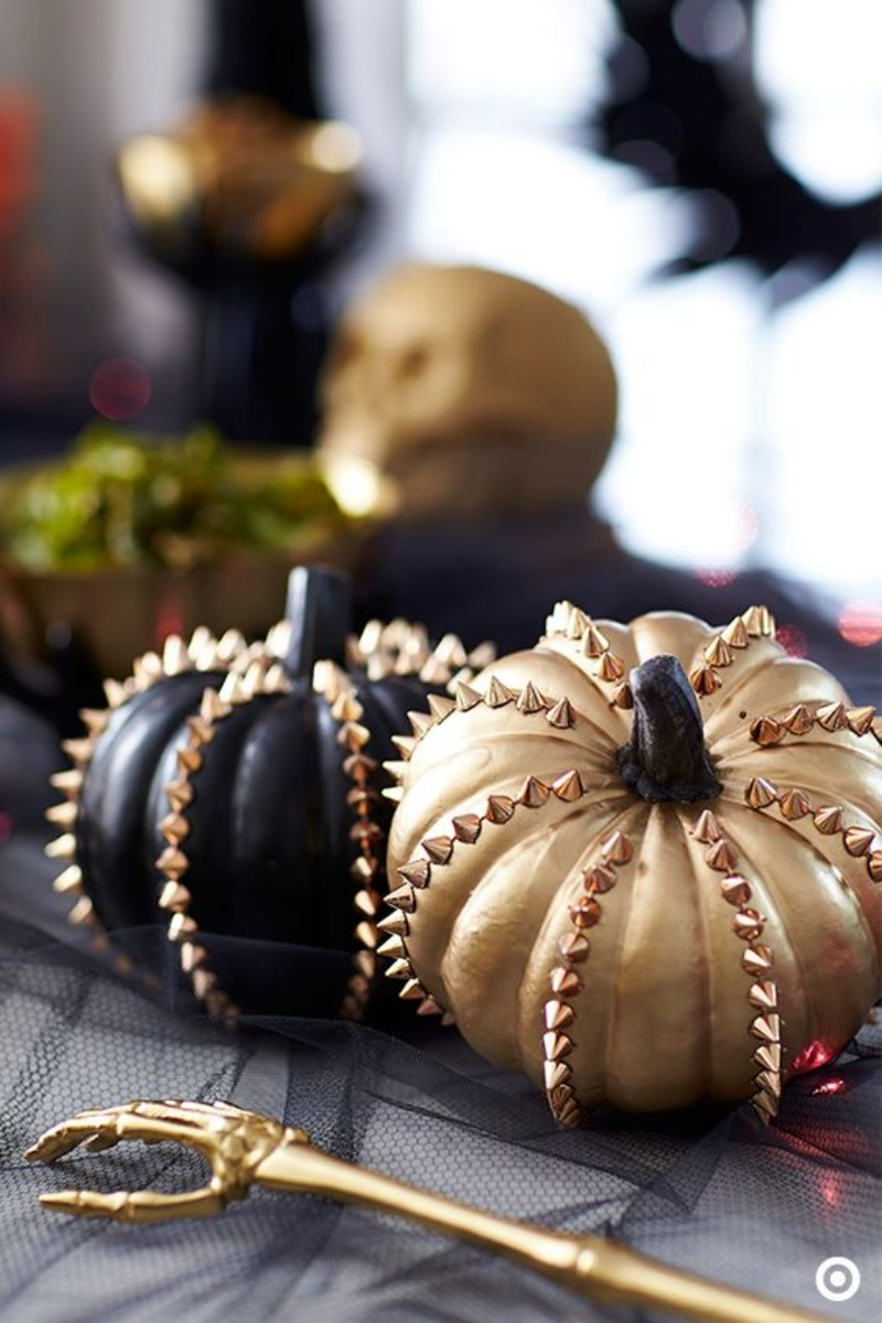Let Halloween Take Over Your Living Room Decor With These Spooky Ideas living room decor Let Halloween Take Over Your Living Room Decor With These Spooky Ideas! Let Halloween Take Over Your Living Room Decor With These Spooky Ideas 5
