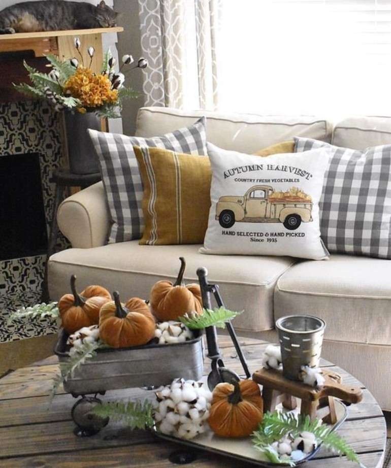 living room Living Room Accessories And Casegoods That Are A Must-Have This Halloween 4ac5dc925bf7061717d57835ac7ed41e