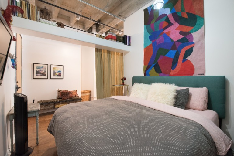 Across The Globe: Experience The Typical LA Lifestyle In This Amazing Loft across the globe Across The Globe: Experience The LA Lifestyle In This Amazing Loft Across The Globe Experience The Typical LA Lifestyle In This Amazing Loft 8