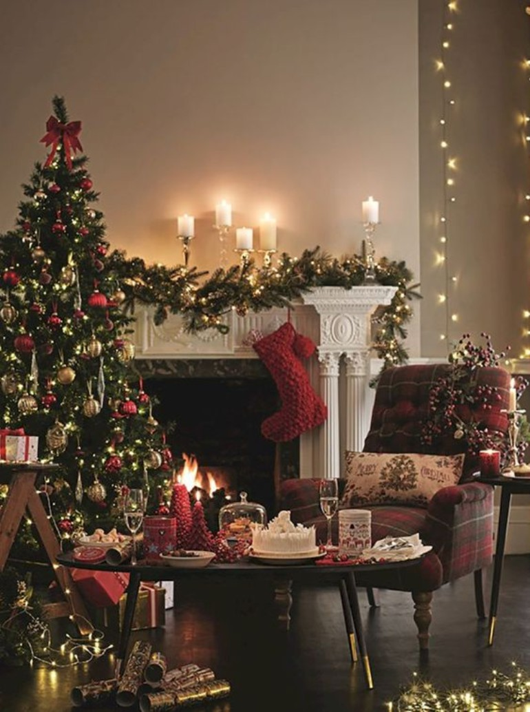 How To Use Christmas Lights To Your Advantage In A Modern Living Room