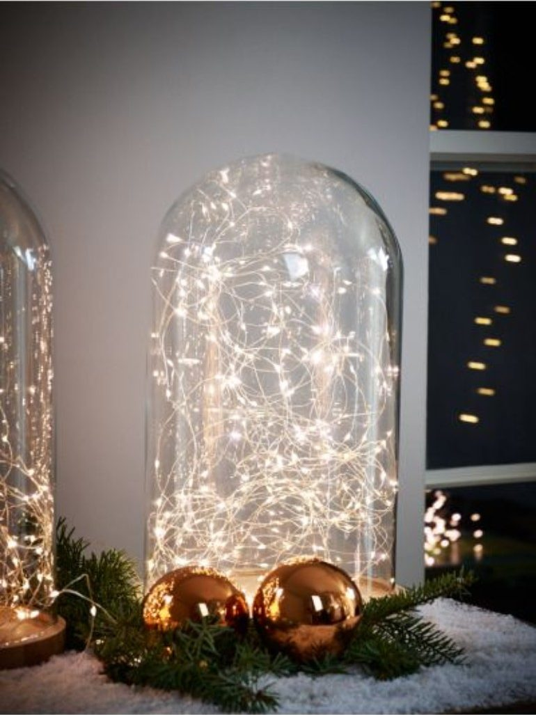 How To Use Christmas Lights To Your Advantage In A Modern Living Room modern living room How To Use Christmas Lights To Your Advantage In A Modern Living Room How To Use Christmas Lights To Your Advantage In A Modern Living Room 2 e1540823420706