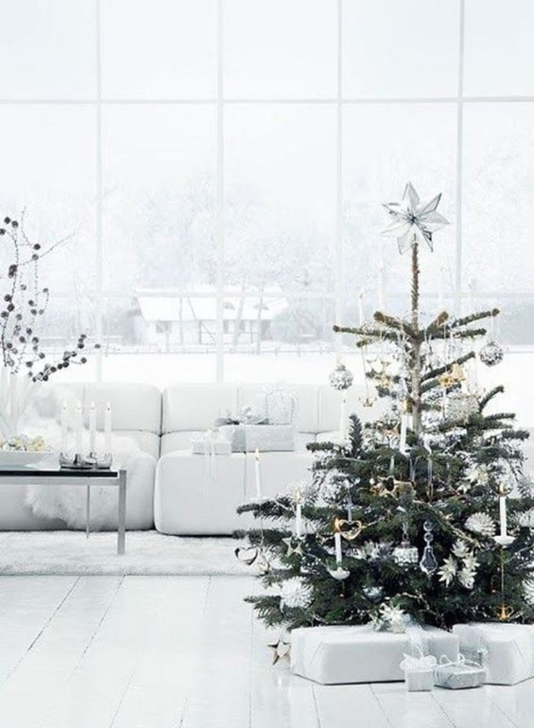 scandinavian christmas decor Scandinavian Christmas Decor For Your Living Room That You Can't Miss WhatsApp Image 2018 10 22 at 12