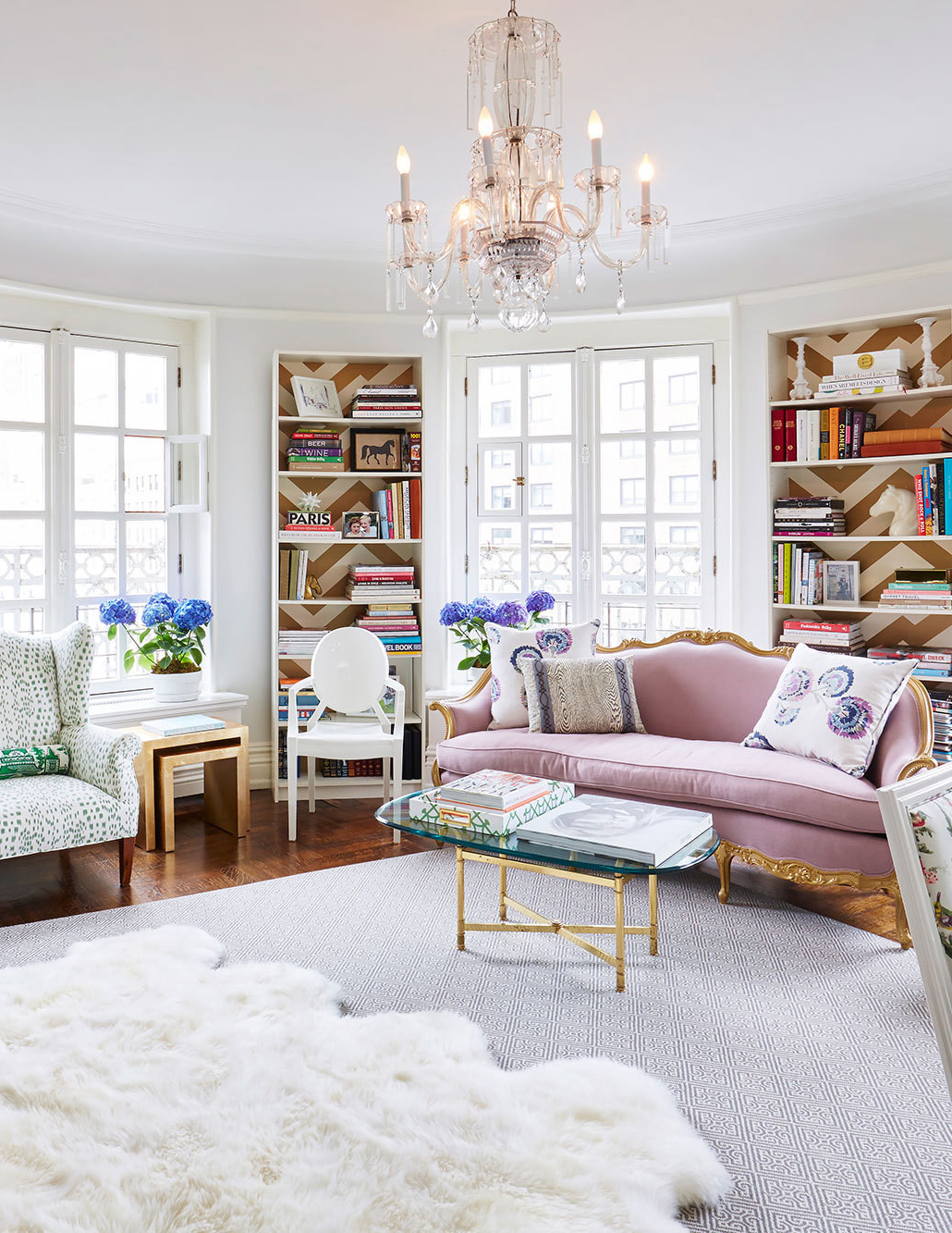 nyc living room living room inspiration pastel home in cosmopolitan nyc 11328