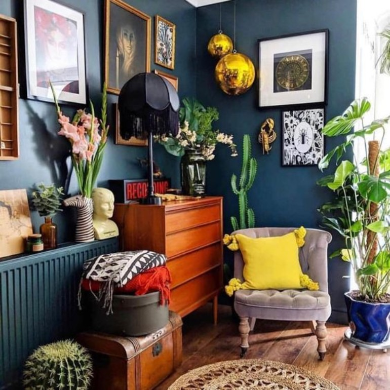 5 Maximalist Living Rooms You'll Want To Replicate maximalist living room 5 Maximalist Living Rooms You'll Want To Replicate 84679aa865fd4cd90eee5d8baff1b506 1 1