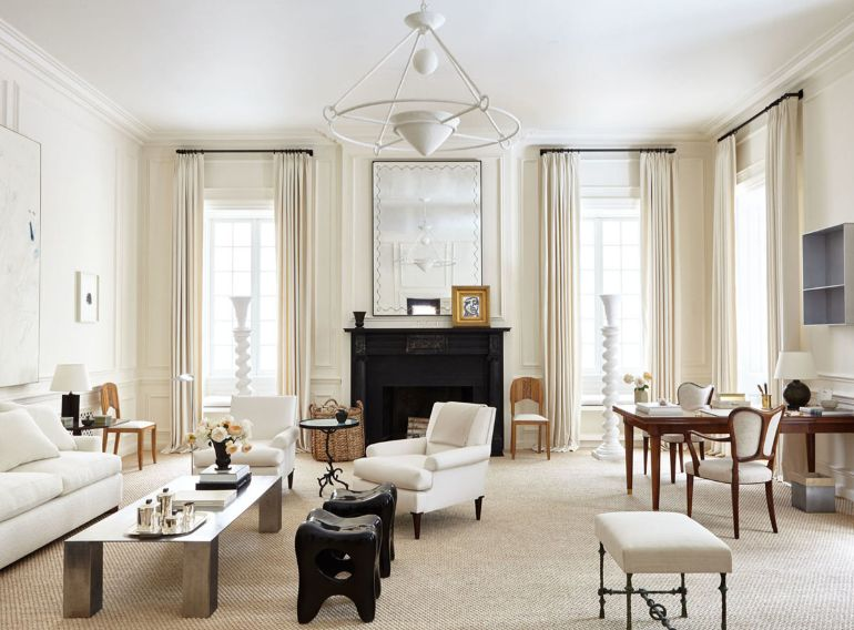 A Chic Living Room In Creamy Whites That Will Be Your Inspiration Today