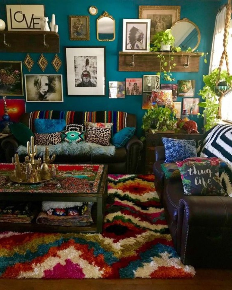 5 Maximalist Living Rooms You'll Want To Replicate maximalist living room 5 Maximalist Living Rooms You'll Want To Replicate e77cfca1c7ac3c199922ab4746c14ca1 1