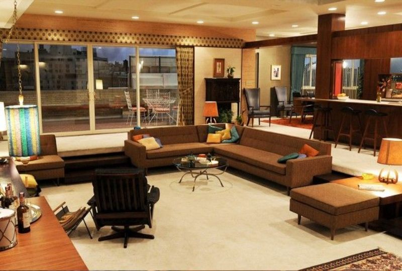 tv living rooms Famous TV Living Rooms We Have All Dreamt About c67be30b49843359207051fe8f0d8443