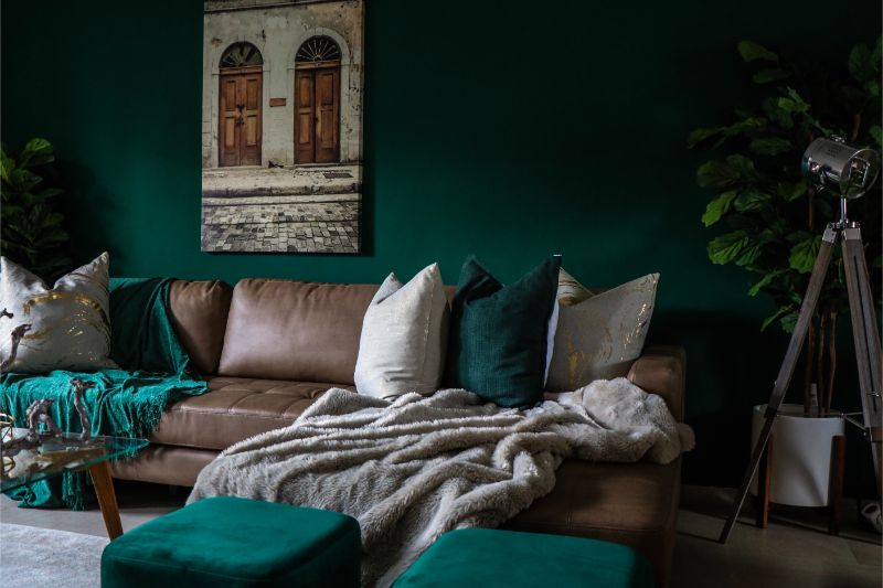 earth tones Styling Your Living Room Using Earth Tones devon janse van rensburg Ff1EIg5xJ9s unsplash 1 1