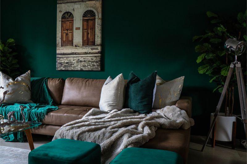 earth tones Styling Your Living Room Using Earth Tones devon janse van rensburg Ff1EIg5xJ9s unsplash 1 1
